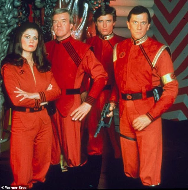 A good lineup of stars: With Jane Badler, Peter Nelson, and Andrew Prine in V: The Final Battle in 1984