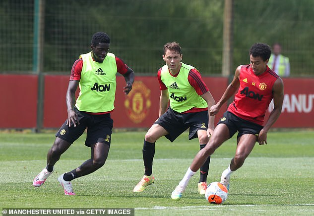 The Manchester United players are going to do video sessions in the outdoors as well as the training