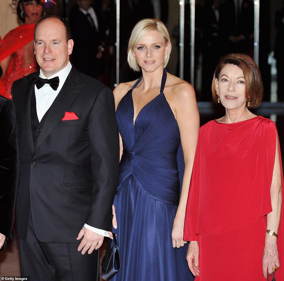 Le Prince Albert de Monaco (photo de gauche, avec son épouse la princesse Charlène, au centre) vu avec sa cousine germaine la baronne Elizabeth-Ann de Massy (photo de droite en 2008) décédée mercredi soir dernier, à l'âge de 73 ans