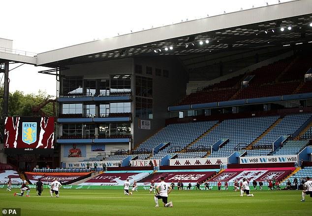 Les joueurs de Sheffield United et d'Aston Villa ont fait preuve de solidarité en Premier League