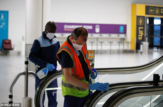 For the moment, any traveller arriving in the UK - that of great Britain or a tourist has to quarantine for 14 days and provide their phone number and an address for self-isolation. On the photo: the Cleaning staff of the airport of Gatwick this week