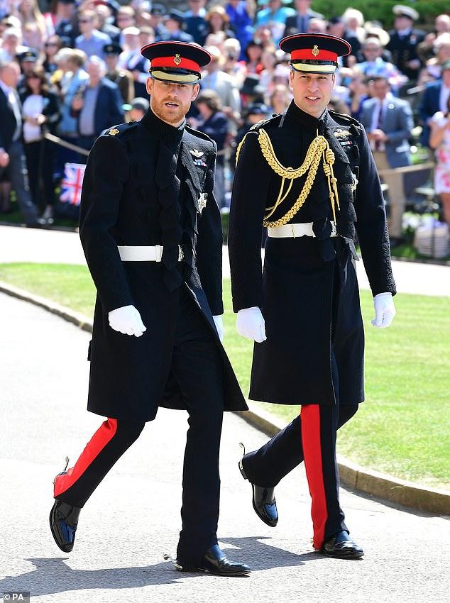 Les relations sont devenues si amères qu'ils n'auraient pas parlé pendant des semaines après le mariage de Harry, où William était le meilleur homme (photo arrivant à la chapelle St George au château de Windsor en mai 2018)