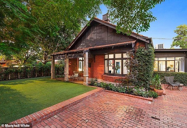 Gorgeous: Inside Asher Keddie and artist husband Vincent Fantauzzo's stunning Melbourne home as it sells for $2.795M