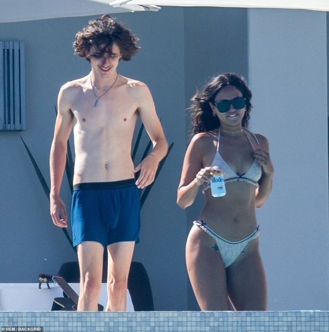 Timothee Chalamet Puckers Up To Actress Eiza Gonzalez Two Months After His Split From Lily Rose Depp Angle News