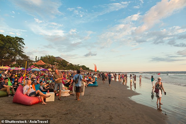 An estimated 2,000 Australian expats have chosen to stay in Bali rather than return home during the pandemic
