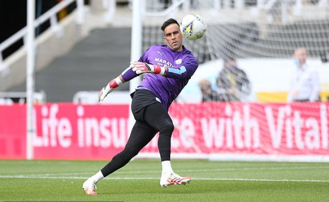 Newcastle Vs Man City Live Follow The Action As Pep