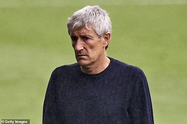 Players have expressed disapproval of manager Quique Setien's tactical decisions in the game