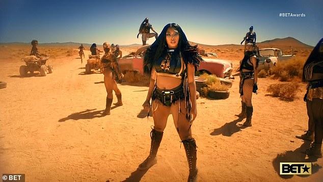 Nouvelle chanson: Girls In The Hood vient d'être publiée vendredi par Megan