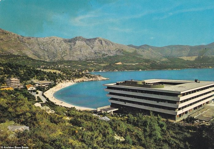 This old postcard image from 1969 shows the distinctive Hotel Pelegrin and the shimmering Adriatic