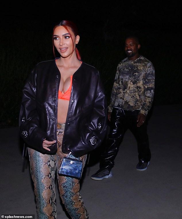 Problème: Malgré son travail qui a reçu d'énormes éloges, Kanye a essuyé des critiques peu de temps après pour son hommage à sa femme Kim Kardashian (photo plus tôt cette semaine) pour être devenu milliardaire, car beaucoup se sont fâchés contre le sentiment `` inopportun '' compte tenu de la lourdeur financière état du globe
