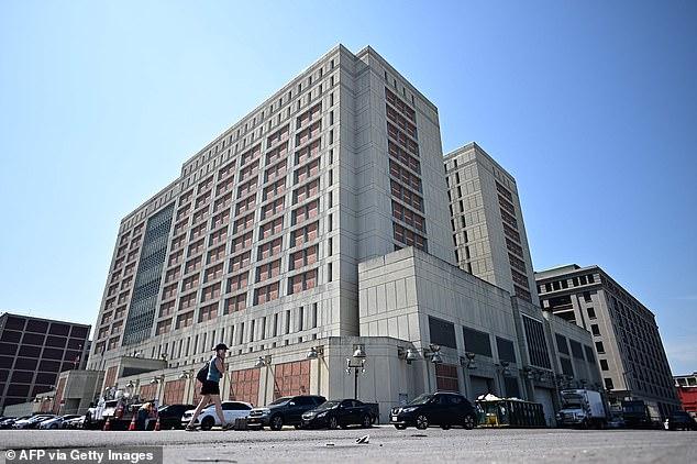 Maxwell befindet sich derzeit im Metropolitan Detention Center in Brooklyn in Haft (Bild)