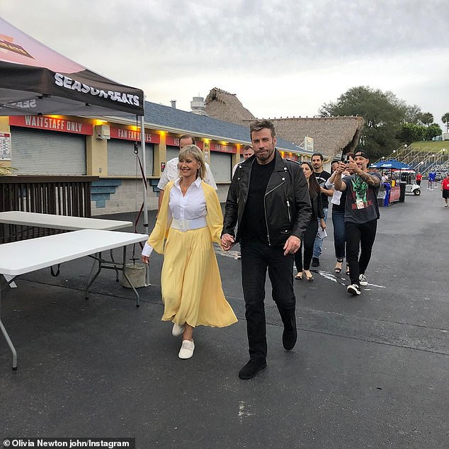 Greased Lightnin '!  At the end of 2019, the duo got together in their emblematic Grease costumes for the first time since the shooting of the film for a singular Meet 'n' Grease event in Florida