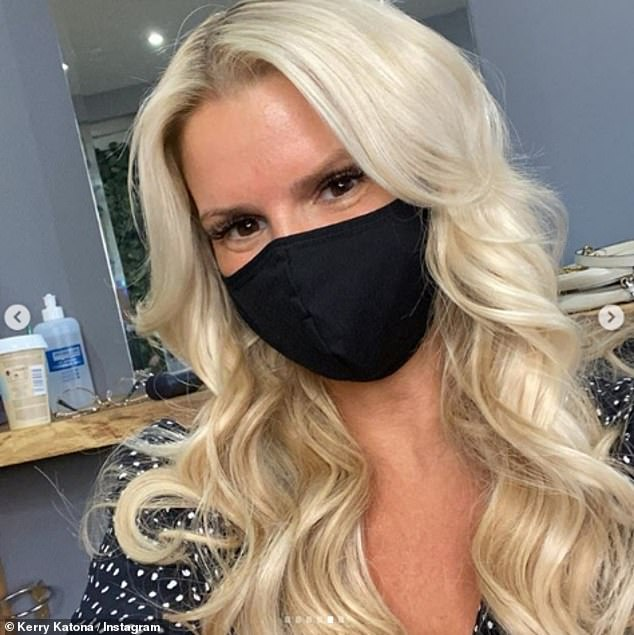 Kerry Katona shows off new blonde hair extensions in photos