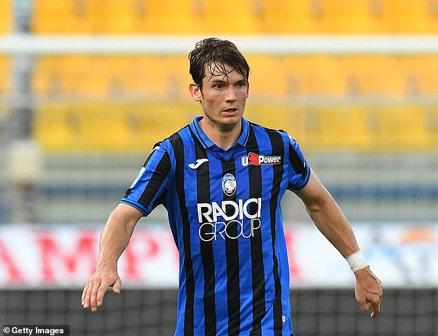 Atalanta's Marten de Roon has promised to make pizza for 1,000 people if the team wins the Champions League. They face Paris Saint-Germain in the quarter-finals on Wednesday night