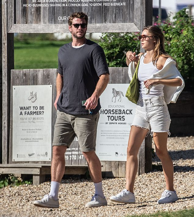 She is all white! Gabriella highlighted her balanced figure in an all-white ensemble, consisting of a jersey, denim shorts and sneakers