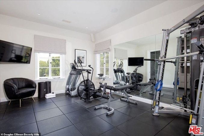 Staying fit: Justin and Hailey can also keep up their workout schedules with a home gym