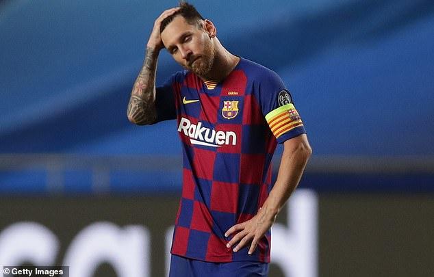 Barcelone est en plein désarroi, dit Frenkie de Jong, alors que la superstar Lionel Messi cherche à quitter le navire