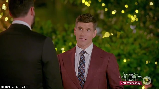 'Give it a Logie right now!' On Wednesday, fans praised Osher Günsberg's performance on The Bachelor after he announced production must come to a halt amid the COVID-19 pandemic