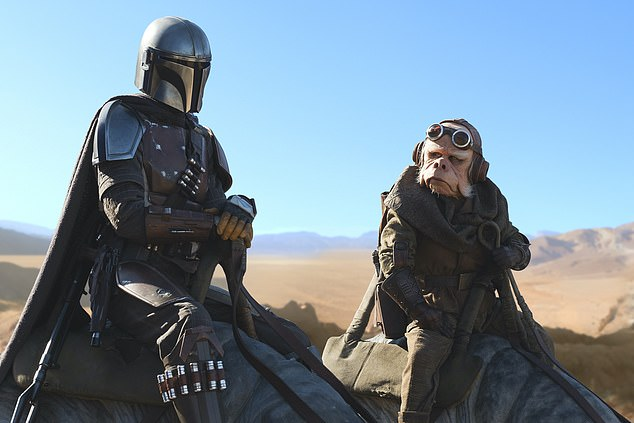 Here it comes:On Wednesday morning Lucasfilm and The Walt Disney Company announced that the second season will premiere on October 30; Pascal with Nick Nolte