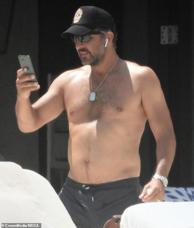 Trip: Kyle's husbandMauricio Umansky was also seen on the getaway