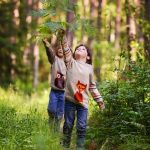 More 'green time' and less screen time 'helps children's mental health'