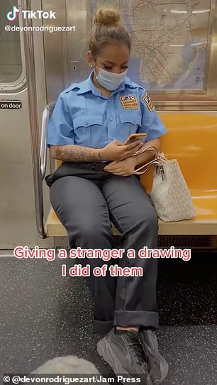 This week, he managed to complete a sketch of a woman sitting across from him before she got off the train ¿ and handed the finished drawing to her