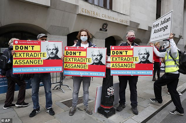 The Socialist Equality Party set up among the crowd outside the Old Bailey on Monday morning