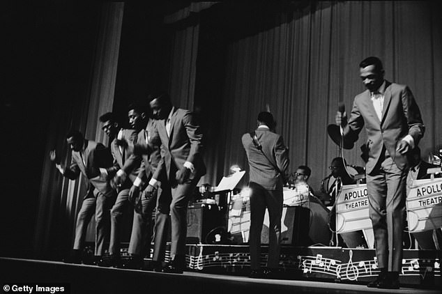 The Temptations premiered in Detroit in 1960 with Otis Williams, David Ruffin, Melvin Franklin, Paul Williams, and Eddie Kendricks (pictured 1964). Their hit songs were My Girl, The Way You Do the Things You Do (both 1964) and Ain't Too Proud To Beg (1966)