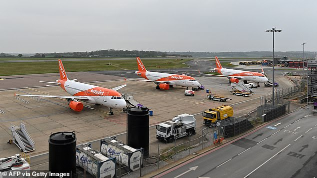 The chief executive of EasyJet, Johan Lundgren, demanded a shift away from the current policy of imposing quarantine restrictions on people returning from many countries, saying there is ¿still time to rescue our airline industry¿