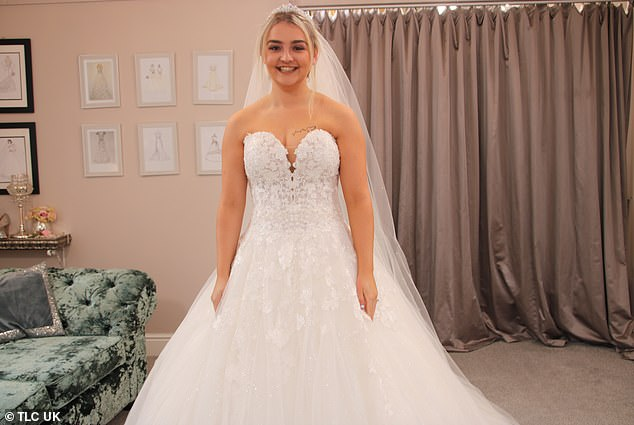 In tonight's episode of TLC's Say Yes To The Dress, Lisa, from Lancashire, is on the search for her dream princess gown