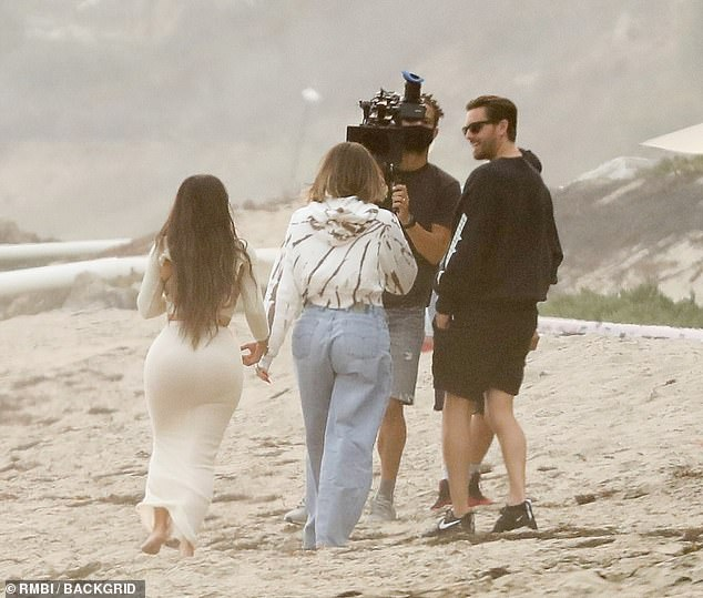 Premiering 'early next year!' The E! Network cameras rolled as the privileged trio shot scenes for the 20th season by strolling on the shoreline together