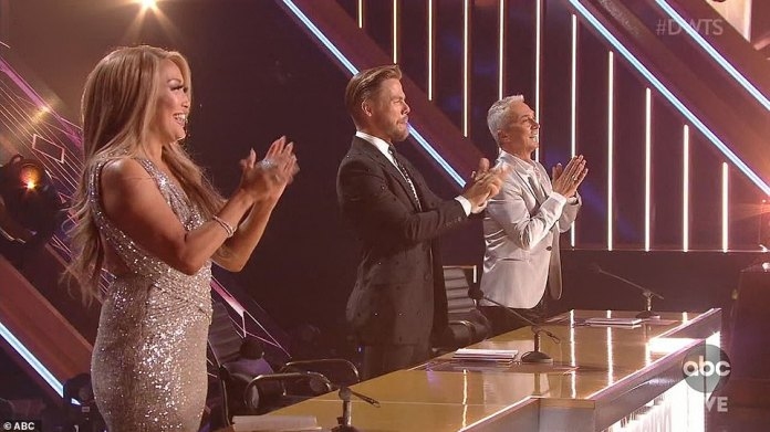 The judges: Inaba, Hough and Tonioli will evaluate the dancing couples during season 29