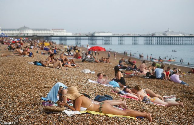 Temperatures should be highest in the southern parts of the UK, though most of the country will see spells of warm weather