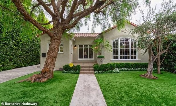 Home Sweet Home: Charlize Theron listed her quaint West Hollywood bungalow for $ 1.895 billion on Monday after purchasing a home nearly 15 years ago.