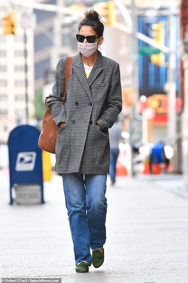 Solo:Katie Holmes, 41, stepped out without her new man, 33, as she ran errands in the Big Apple on Wednesday morning