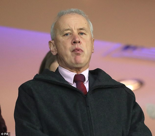 EFL chairman Rick Parry has insisted the pilot games will be compatible with the 'Rule of Six'