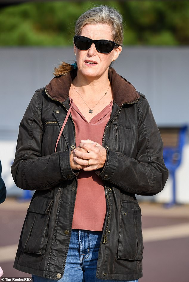 The royal looked casual as she sported a pair of blue denim skinny jeans and swept her hair into an elegant bun