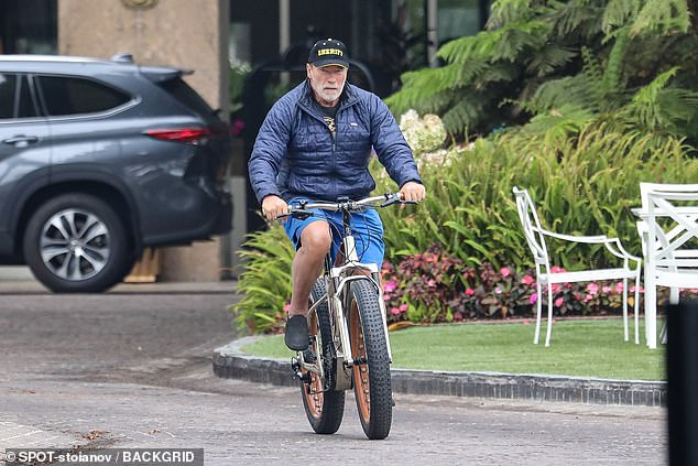 He is back:Former California governor Arnold Schwarzenegger was spotted out on his bike again on Monday in Santa Monica, looking authoritative in a dark blue sheriff baseball cap