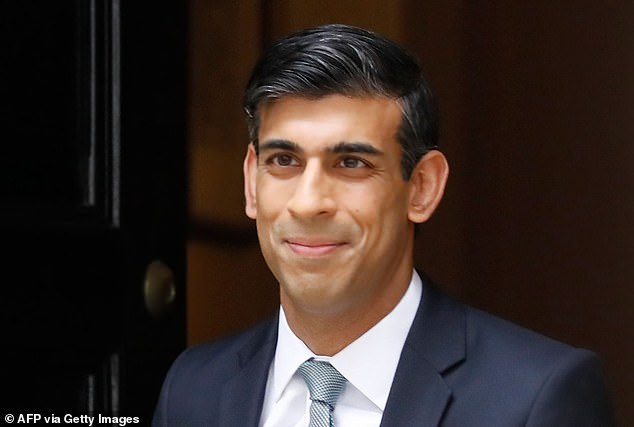 Despite ballooning national debt, Chancellor of the Exchequer Rishi Sunak is preparing a multi-billion-pound ¿winter economy plan¿ to try to protect jobs