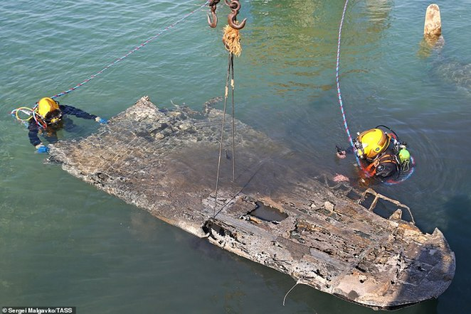 The aircraft had entered service with the Black Sea Fleet in 1943 but was forced to make a water landing just one year later due to a technical malfunction during a training flight (rescuers haul a wing from the water)