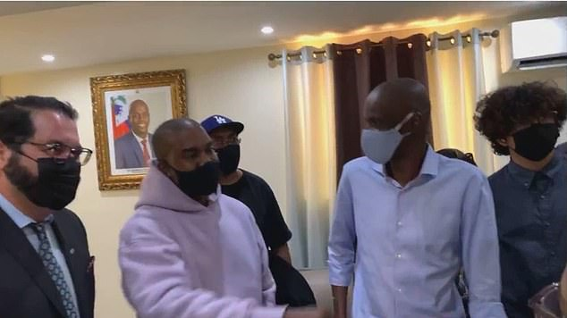 Kanye West laughed and joked with theHaitian president Jovenel Moïse after his arrival Friday