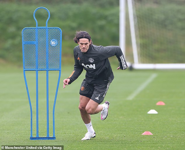 Edinson Cavani has taken part in his first Manchester United training session after joining