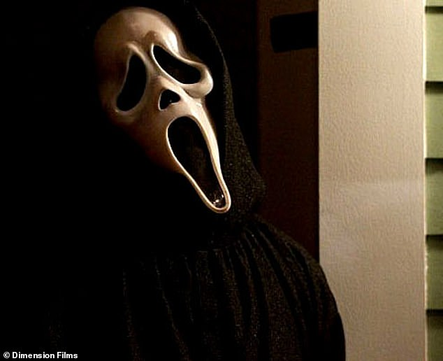Scream 5 Ghostface Voice Actor Roger L Jackson Drops Major Spoiler For Upcoming Sequel Newsfeeds