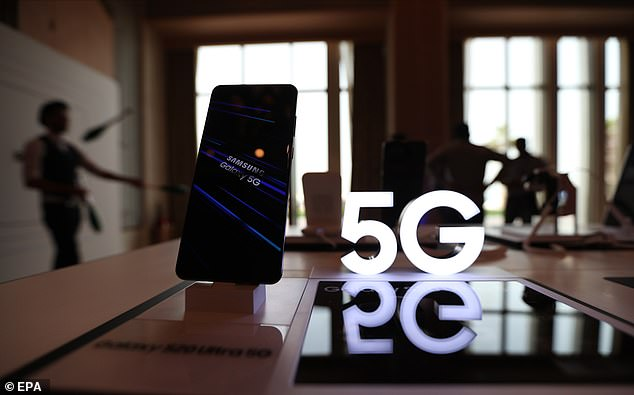 Tom's Guide also put Android smartphones through the same test and found they surpassed the performance of Apple's new devices. The Samsung Galaxy S20 Plus lasted 10 hours and 31 minutes over 5G, which is nearly 1.5 hours than the iPhone 12 Pro