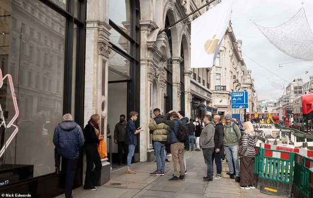 Queues on Friday morning. The iPhone 12 costs a hefty £799 in the UK and $799 in the US, while the 12 Pro goes for £999/$999