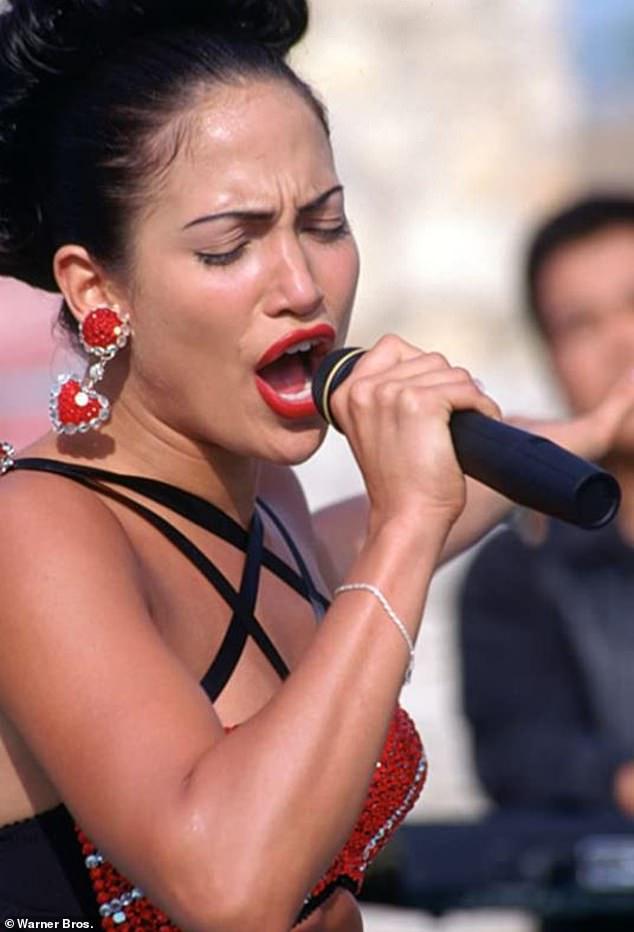 Восхождение к славе: за четыре года до выхода «Организатора свадеб» Дженнифер стала драматической актрисой в байопике «Селена».
