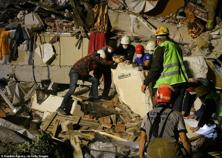 The quake thats was centred in the Aegean Sea has left dozens of building destroyed