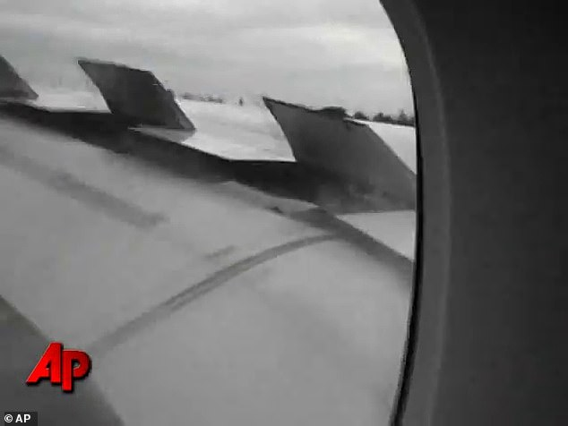 Footage of the emergency landing back at Singapore's Changi Airport in November 2010