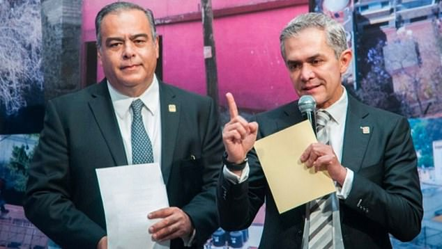 Raymundo Collins (left) is the fourth member of Mexico City's former mayor Miguel Ángel Mancera's (right) administration who has been linked to corruption