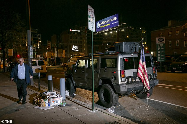 The Hummer was spotted on Thursday night with Virginia plates and containing a rifle